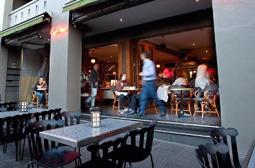 Dog friendly restaurants & cafes in South Yarra - Dogs On